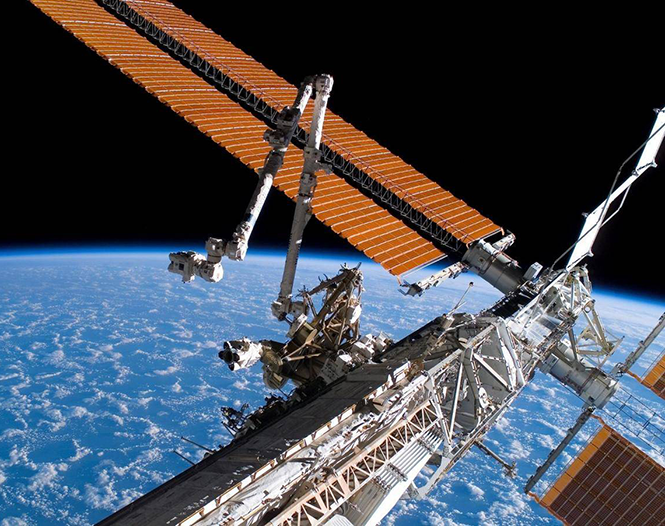 The+ISS+space+station+where+alien+bacteria+was+recently+discovered.